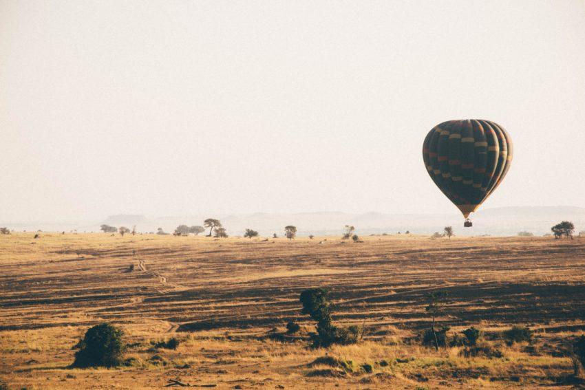 montgolfière en tanzanie